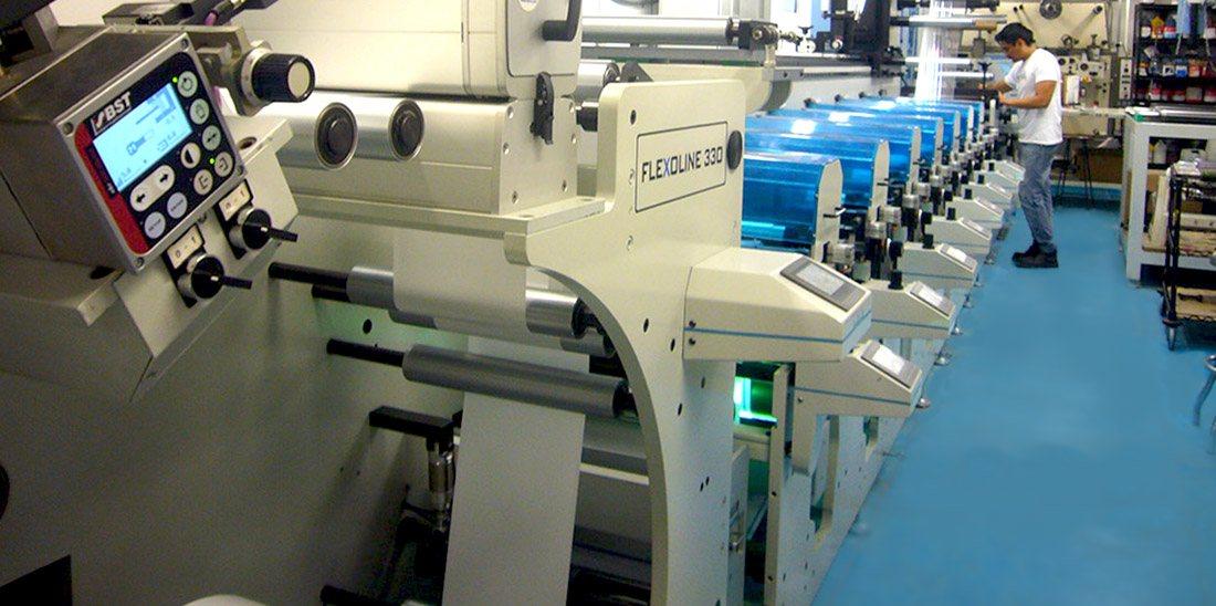 Alta Tecnología para la Fabricación de Etiquetas Autoadhesivas